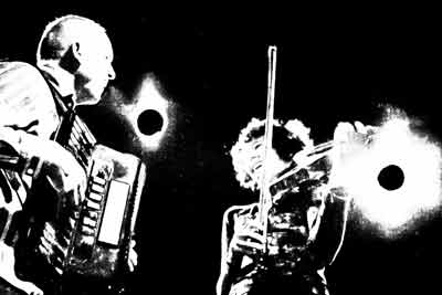 Fiddlebox-B&W-Stage-lights