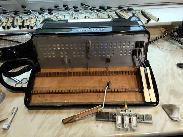 Wooden Accordion Keyboard with Spindle Removed